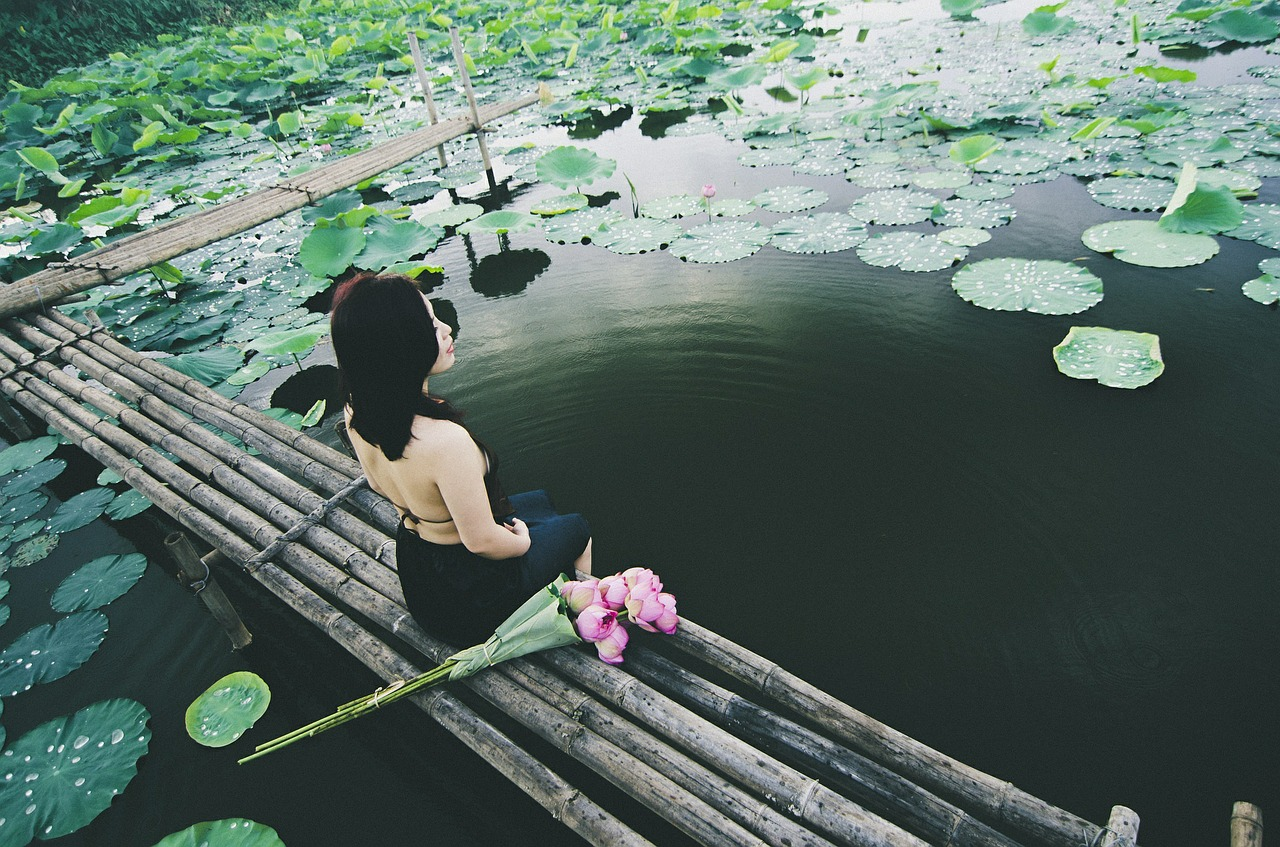 woman-plaisirdetresoi-plaisir d etre soi-meditation-pleine conscience