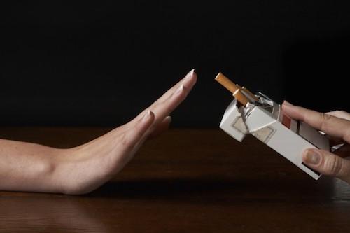 Arrêt-tabac avec les huiles essentielles