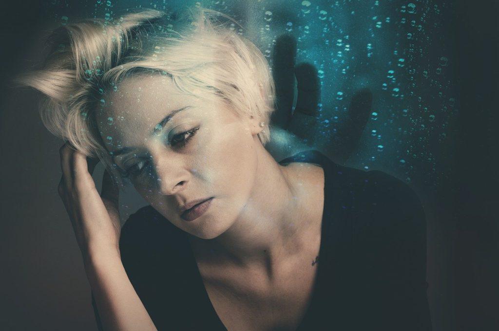 woman-femme-stress-ennemi-silencieux-plaisir d'etre soi